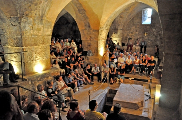 concert-in-the-crypt