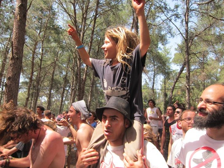 Young Ramzailech fan at Yaarot Menashe/Photo: Ayelet Dekel