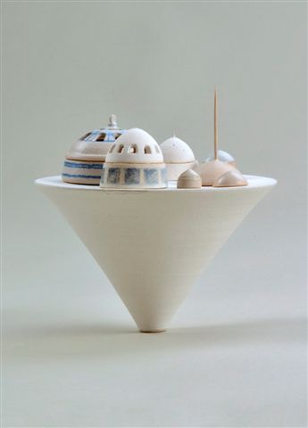 Michella Lena Rochwerger, Stoneware, pigements, glazes. Wheel thrown, hand built, drawing, electric firing