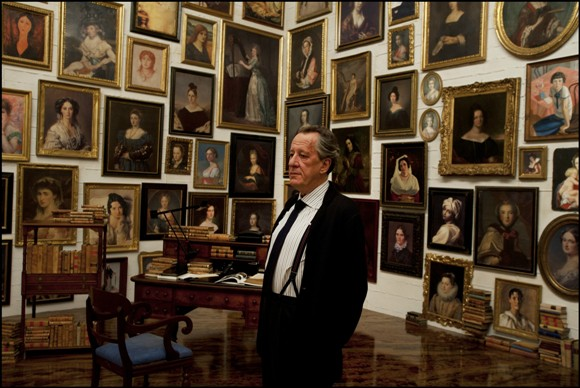 Virgil Oldman (Geoffrey Rush) surrounded by his trophy women/Photo courtesy of PR