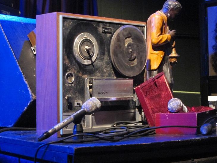 Kol 2 and 5 (Kol Sheni veHamishi) @ Tmuna Theatre/Photo: Ayelet Dekel