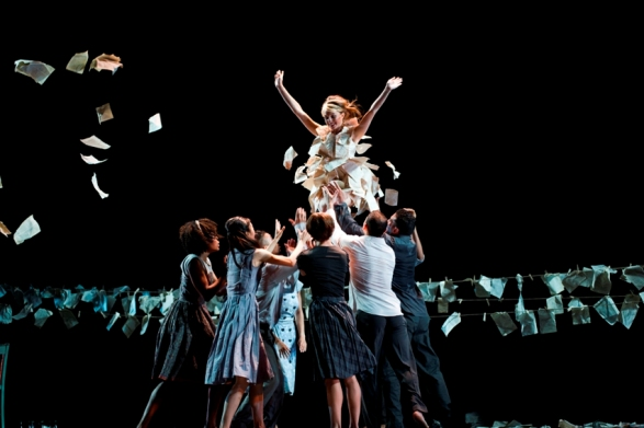Cedar Lake Contemporary Ballet - Necessity Again/Photo: Paulo Lobo