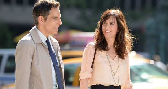 Walter Mitty (Ben Stiller) and co-worker Cheryl Melhoff (Kristen Wiig)