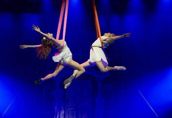 Philia (Rona Lee Shimon) and Hero (Ido Rosenberg) floating on the wings of love/Photo: Daniel Kaminsky
