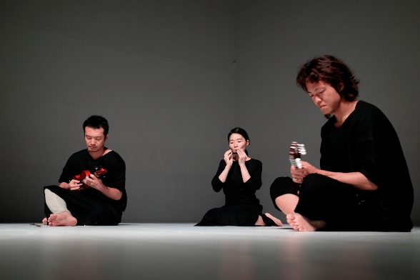 Wallflower - Umitaro Abe, Mayu Gontu, Hirofumi Nakamura/Photo: Daniel Tchetchik