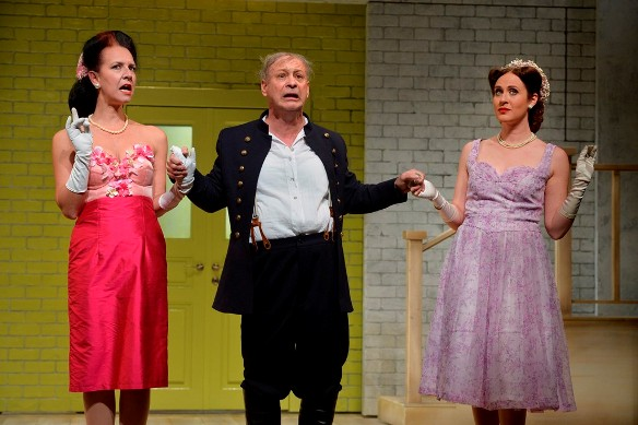 Mistress Ford, Falstaff and MIstress Page - The Merry Wives of Windsor/Photo: Yossi Zwecker
