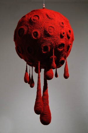 Gil Yefman, Blood Moon, 2016, knitting, collection of the artist, courtesy of Ronald Feldman, Fine Art, New York