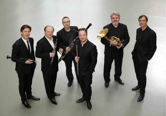Paul Meyer, clarinettiste, Francois Leleux, hautboiste, Gilbert Audin, bassoniste, Emmanuel Pahud, flutiste, Radovan Vlatkovic, corniste et Eric le Sage, pianiste.